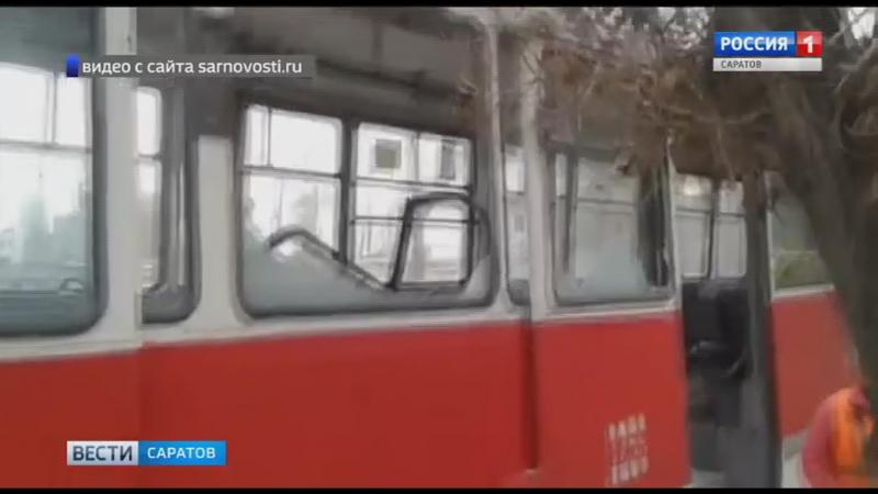 Грузовик с вышкой протаранил трамвай в Ленинском районе