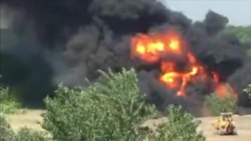 Пожар на западном выезде. По словам очевидцев горит камыш и нефтепровод.