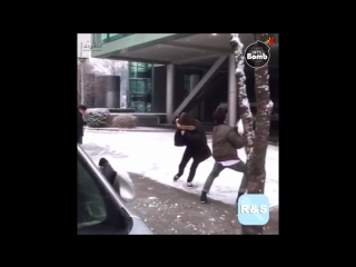 [ Озвучка RS ] [BANGTAN BOMB] Snowball fight (Jimin's cam) - BTS (방탄소년단)