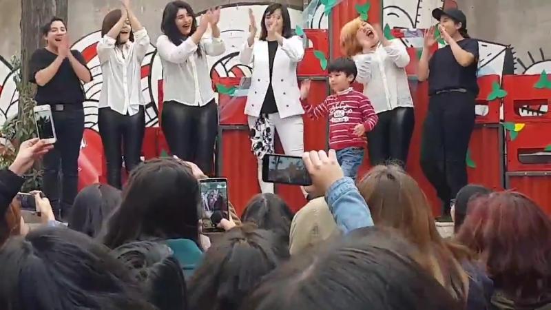 Шаволы из Чили праздную ДР Тэмина