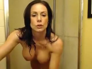Sexy Milf Pornstar Playing With Toys In Shower [cam porn webcam вебка порно приват запись онлайн]