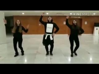 Ramil Qasanov Qız Tələbələriiylə Möhtəşəm Lezginka Rəksi 2018.mp4