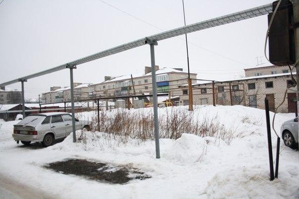 Подземное газовое хранилище в районе «Черёмушки».  Черёмушки так назвали, потому что в этот же момент строили район «Черёмушки» в Москве.  Летом с другой стороны: https://vk.com/photo16174219_456246243  2 января 2018 года.