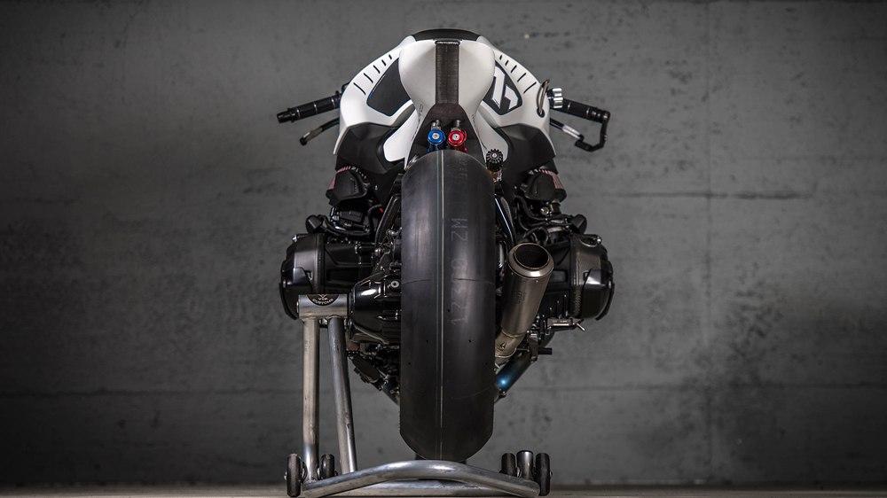 VTR Customs: гоночный кастом BMW R1200R White Venom NOS