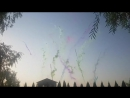 Дневной фейерверк из цветного дыма на свадьбу