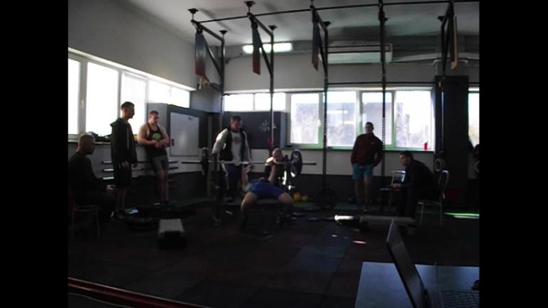 Відкритий чемпіонат м.Чернігів з жиму штанги лежачи фітнес-центр X-Line