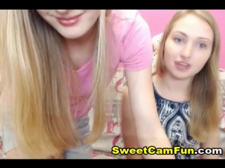 Two Pretty Babes on Cam