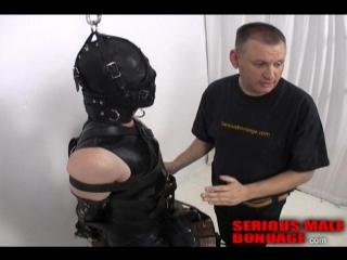 Бондаж: раб на кожаном седле. БДСМ связывание, гей порно, BDSM gay porn saddle bondage