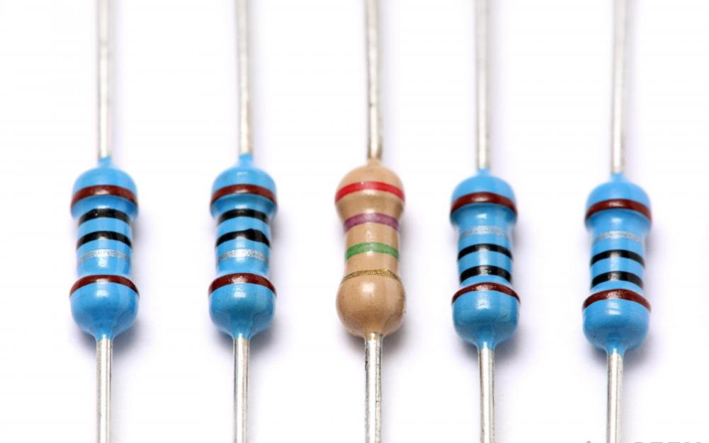 Омметры могут измерять сопротивление углеродных резисторов.