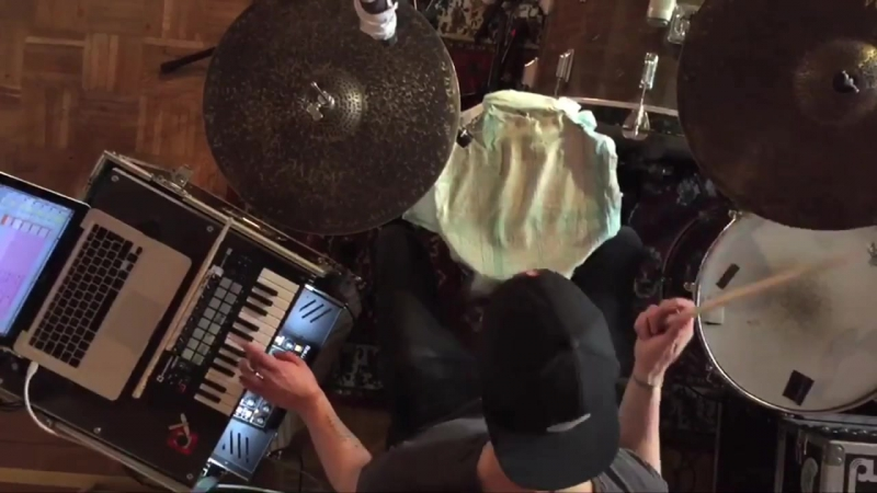 Mathias Blässe - Welshly Arms - Legendary (DrumBass Remix) » Freewka.com - Смотреть онлайн в хорощем качестве