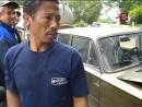 Житель Мадагаскара, на жигулях врезался в трактор и обосрался