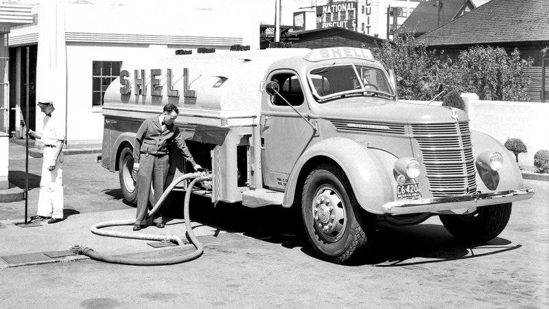 International D30 Tanker 1937 40