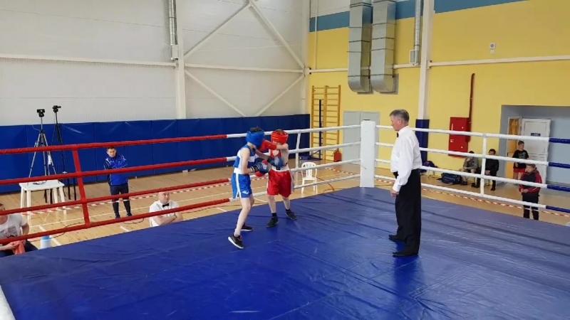 Кобзев Альберт ( Ямбург-Кингисепп) vs Сафиханов Максим, 32кг