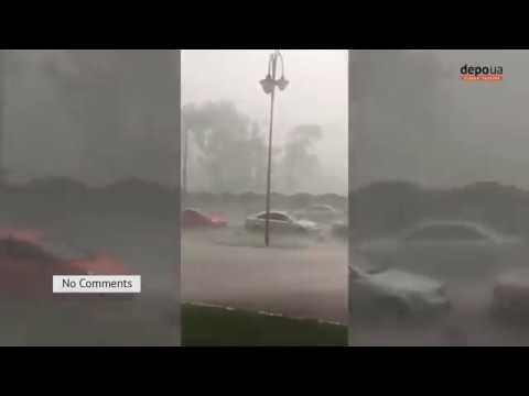 Як на морі Київ знову накрив сильний дощ