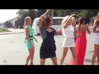 Девчонки постарались! Только для мужиков! Танцуют русские девушки Кавер песня Faun Tanz mit mir
