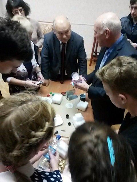 Круглый стол о центрифуге: связь поколений