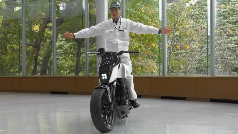 Honda Riding Assist - первый в мире балансирующий мотоцикл