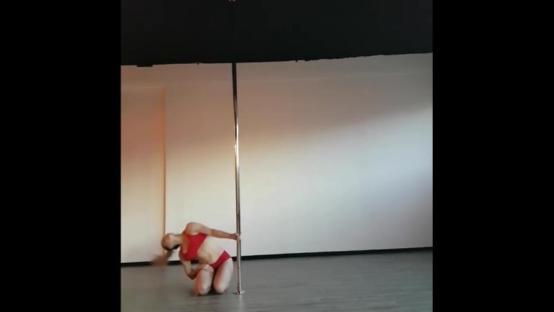 Pole choreo на пилоне Катя Дипман
