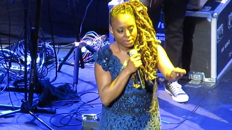 Ledisi, Alright (w/Old New School Scatting and Encouragement)