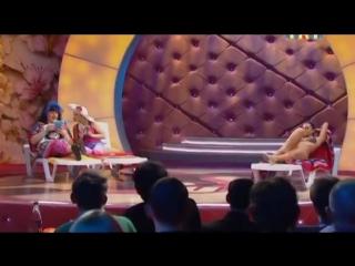 Comedy Women. Екатерина Скулкина, Наталья Медведева - Возле бассейна