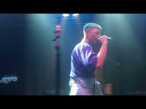 Gus dapperton singing in san francisco 42318 (cover of let me love you)