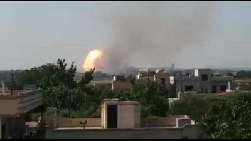 Le dépôt de munitions de larmée syrienne explose dans louest de Hama