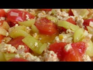 Блюдо из куриного фарша,яиц и овощей! Быстрый вкусный сытный обед на 5 человек!