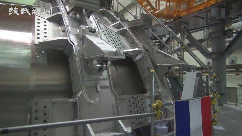 磁場コイル組み立て開始 那珂研のJT-60SA 作業「おおむね順調123