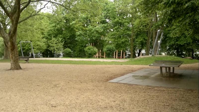 Окраина г. Висбаден (вид на детскую площадку)(2013-05-16-318)