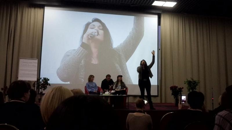 Выступление Нианель на завершении треннгов Вианны Стайбл в Петербурге