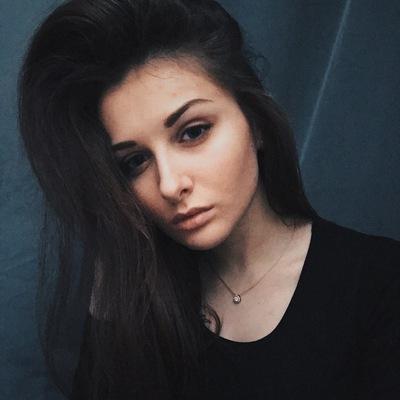 Алёна Любимова