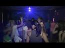 Девочки жгут на дискотеке в лагере