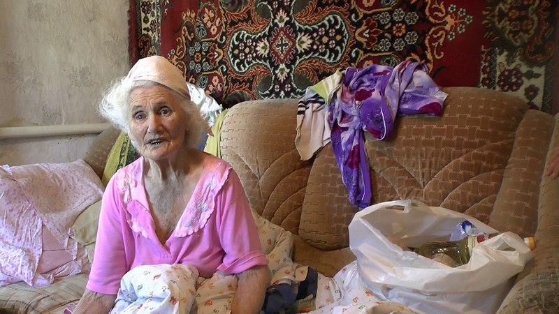 Помощь жительницы Германии пожилой женщине на Октябрьском