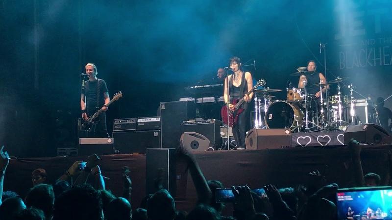 JOAN JETT THE BLACKHEARTS I LOVE ROCK´N ROLL directo Azkena Rock Festival ARF 22 6 2018