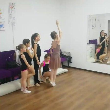 Анна Тарасова в Instagram: «Всё в наших руках. Начало танцуем танец хореография балет ballet choreography dance michaeljackson davidgare...