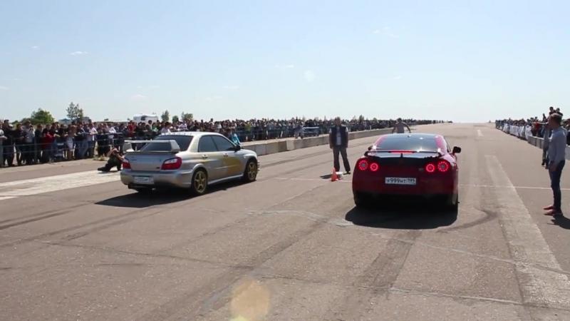 Subaru Impreza WRX STi vs Nissan GT-R