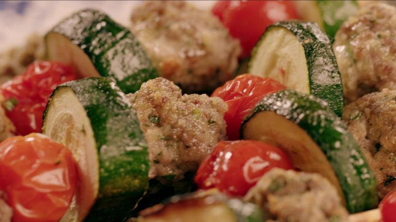 Ежедневно в 12:30 смотрите программу «Тосканская кухня Микелы»