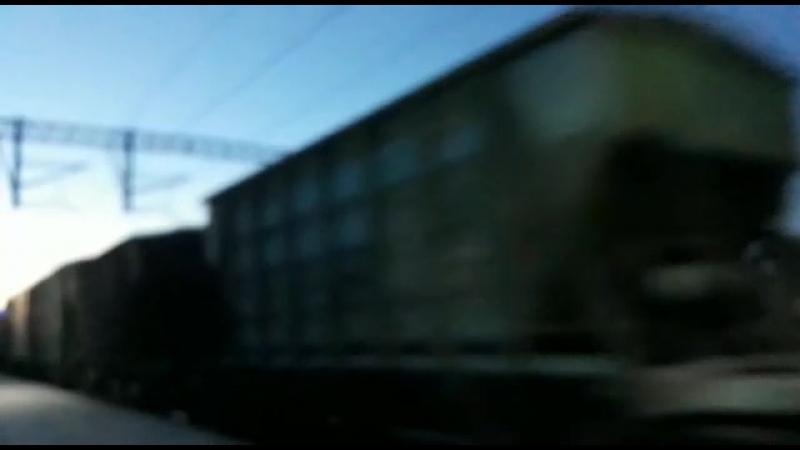 Тепловоз ЧМЭ3 с грузовым поездом