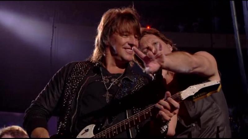 Bon Jovi - You Give Love a Bad Name (Live at Madison Square Garden 2009)