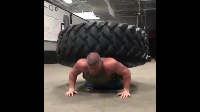 Мощно тягает