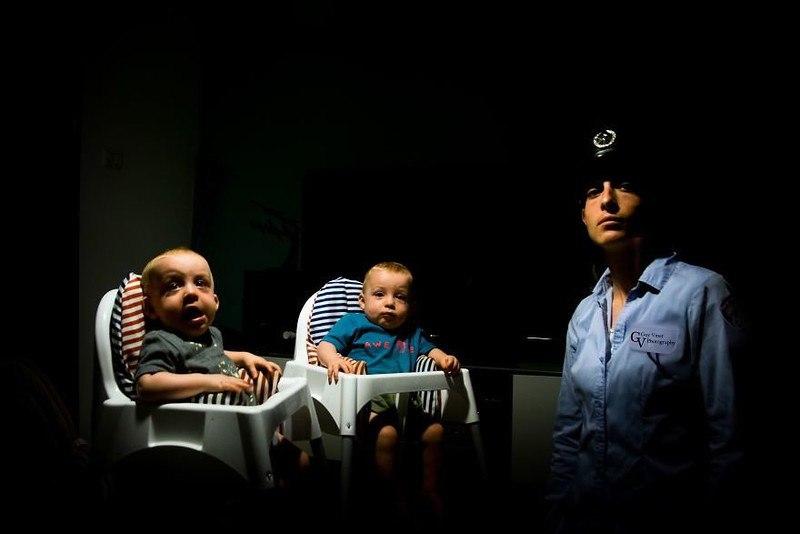 dwRP2luMLno - Папа-фотограф: дети в опасности