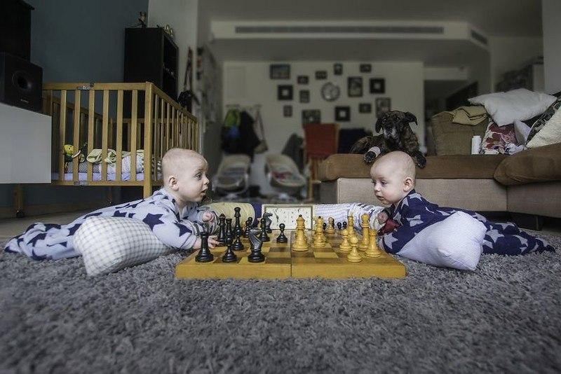 e 6nXxw6Vgo - Папа-фотограф: дети в опасности