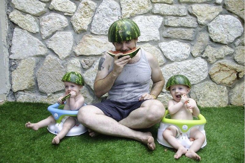 nnZfoFCuMMk - Папа-фотограф: дети в опасности