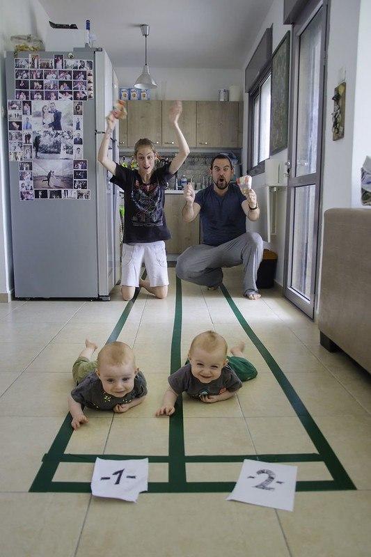 b8eq3NxyAYQ - Папа-фотограф: дети в опасности