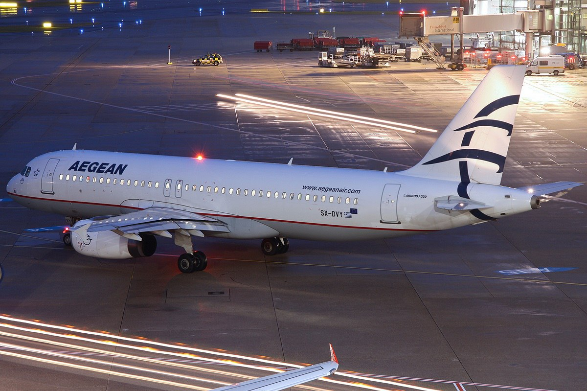 Лайнер компании Aegean Airlines