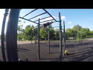 Подборка за июнь😉💪 . . . #calisthenics#freestyle#handstand#freestylebar#train#streetworkout#workout24#acrobatics#gymnasti