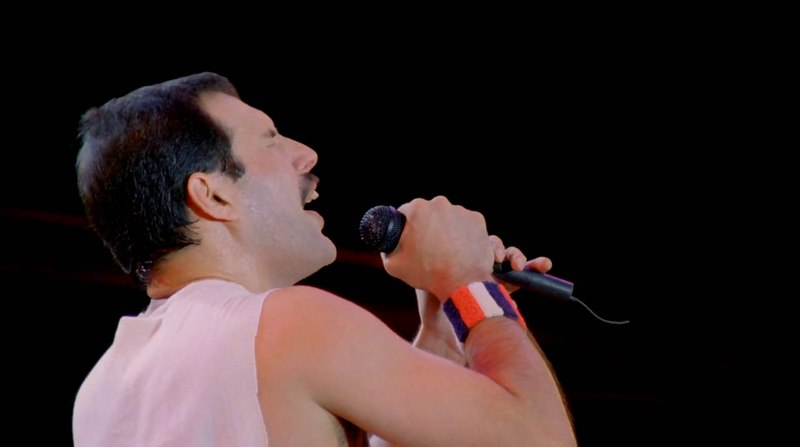 Queen - Hungarian Rhapsody Live In Budapest 1986 Who Wants To Live Forever