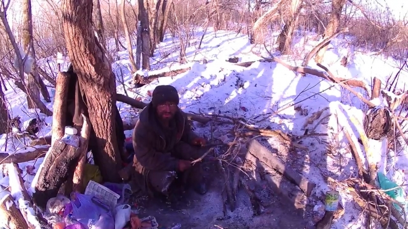 Трасса Рузаевка - Саранск, живёт бомж.