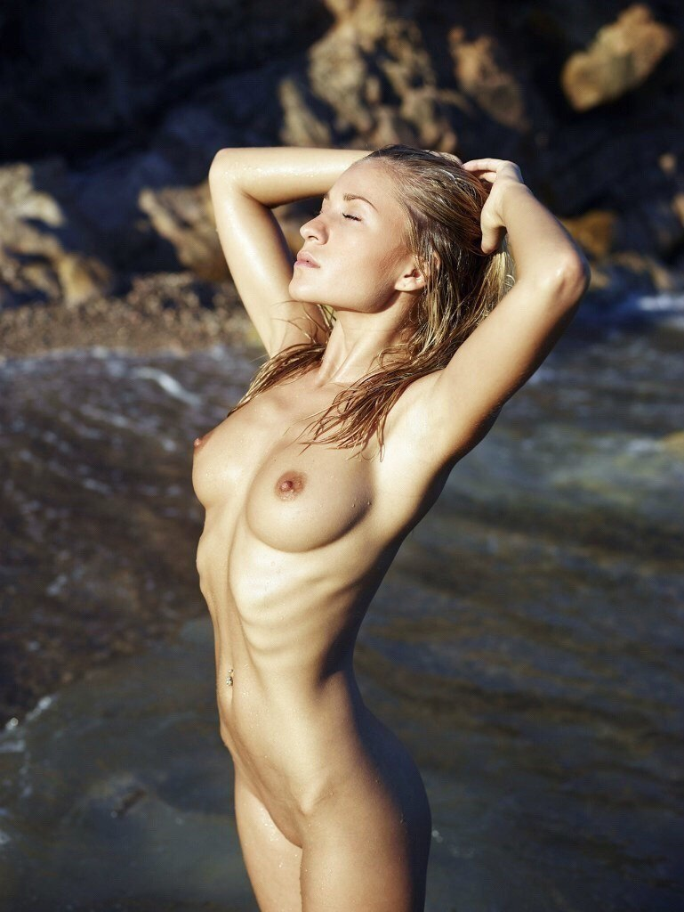 Tasteful nude pics of older women