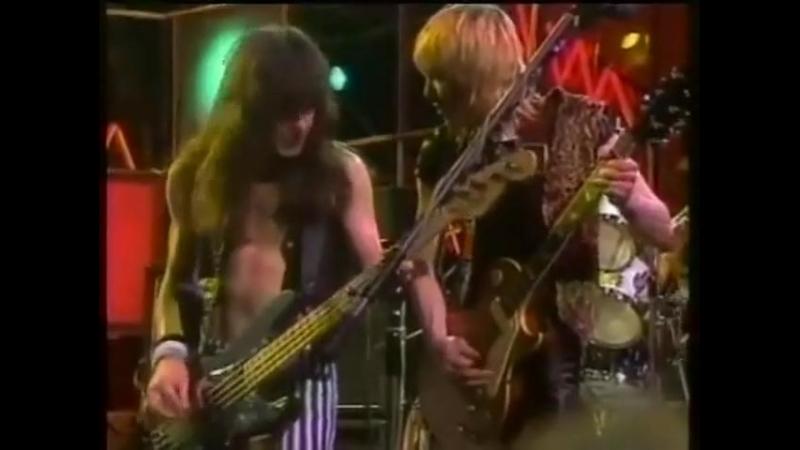 Iron Maiden - Sanctuary (Live 1981)